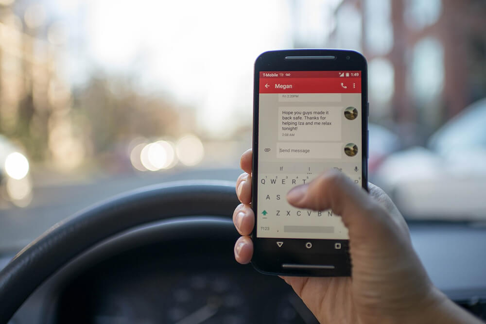 Unsafe Driving Of Teenagers Due To Use Of Phones While Driving